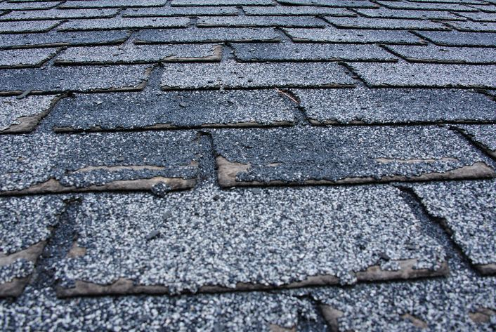 Five Indications That Your Asphalt Shingle Roof Needs